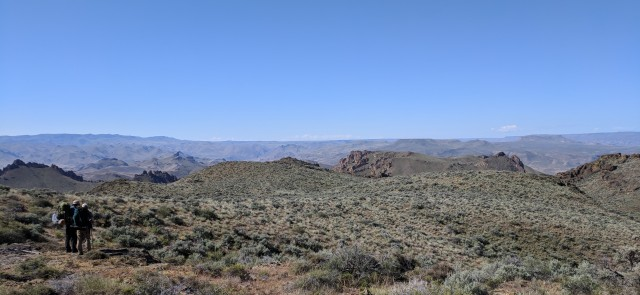 backpacking, Owyhee Reservoir, Owyhee Canyonlands, Oregon Honeycombs